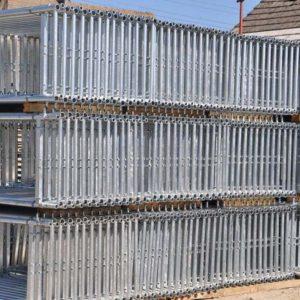 Facade scaffolds